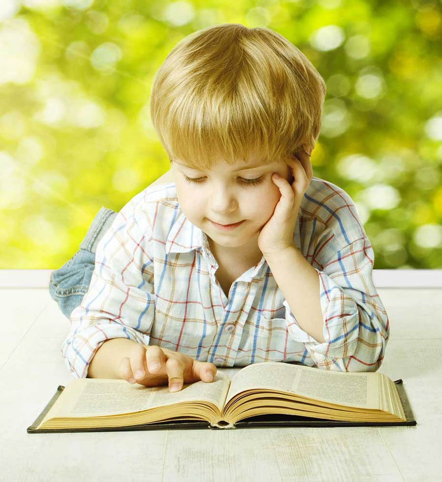 Child Reading thanks to LearnAbility